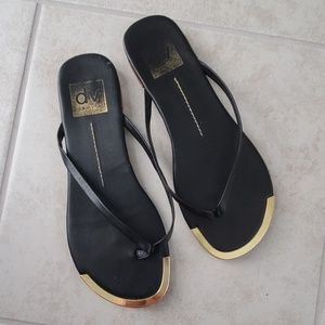 Dolce Vita Shoes - Dolce Vita slim flip flops